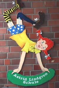 Holzfigur Pippi Langstrumpf